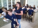 5º anos no laboratório de ciências_3